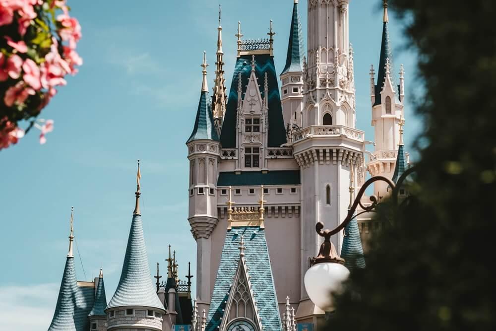 白と青のお城