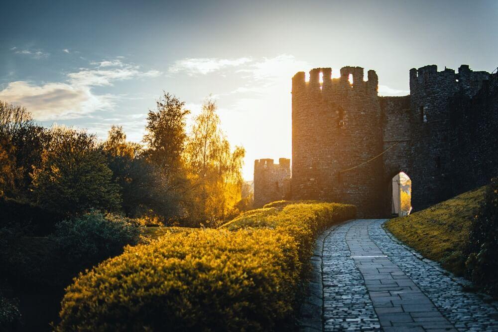 朝日の中のお城