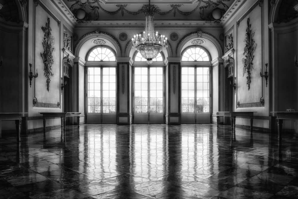 お城のホール