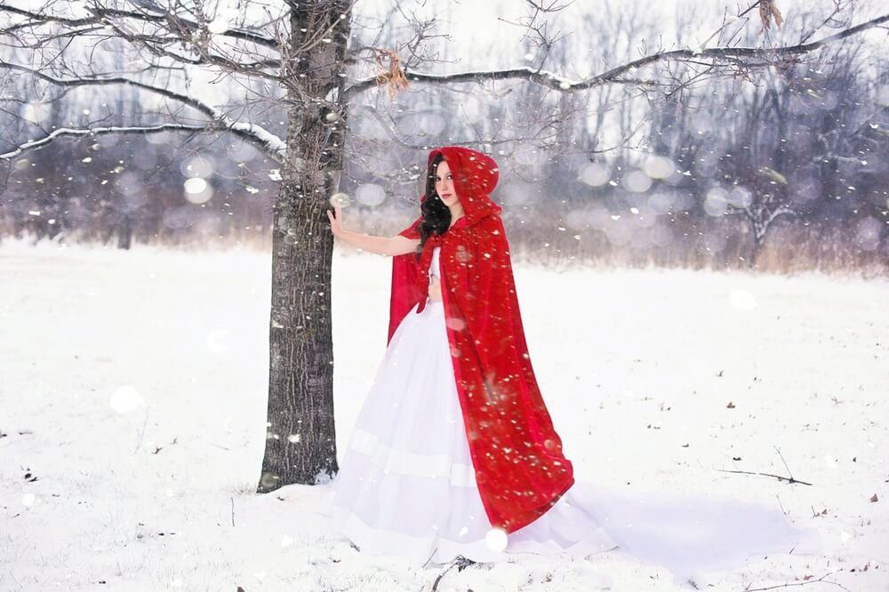 雪の中の赤ずきん
