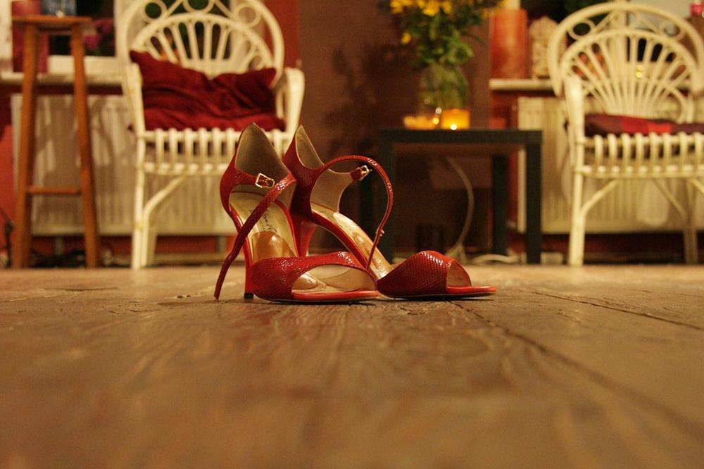 ダンス用の靴