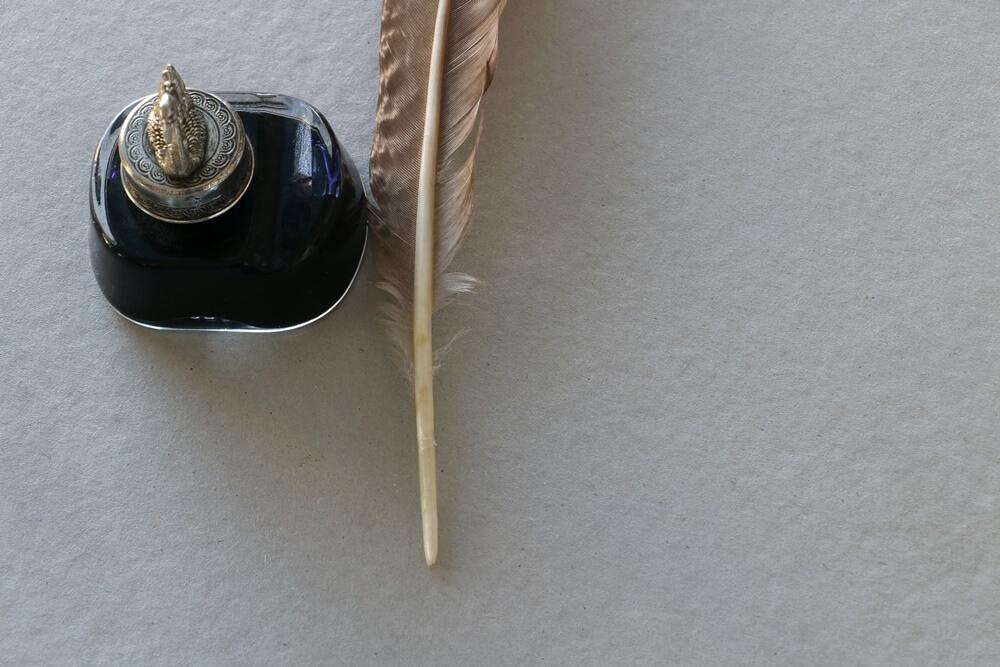 インクと羽ペン